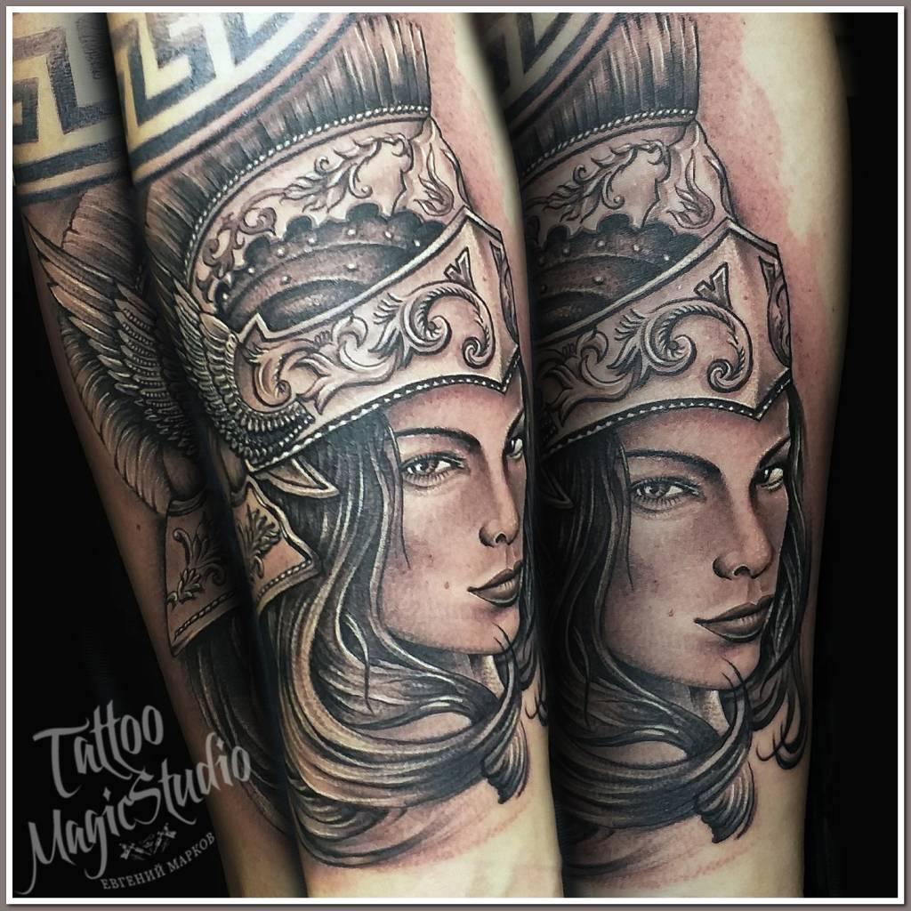 женщина воин спарта рим черно белая татуировка woman warrior sparta rome black and white tattoo